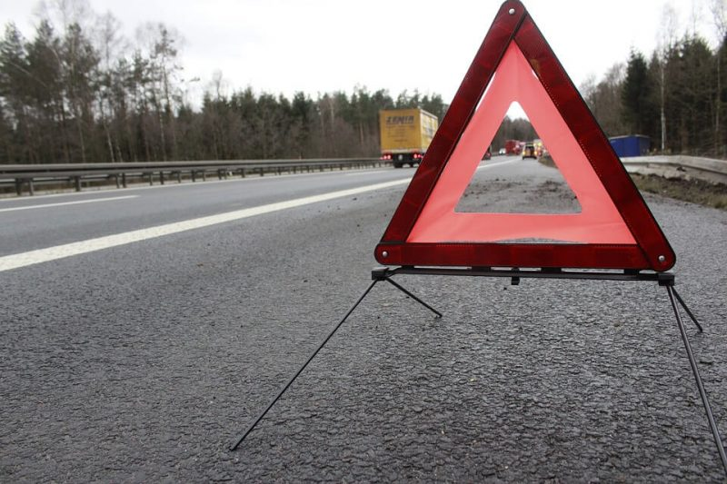 warning triangle 1412348 960 720 - Protecting LoneWorkers On The Road.